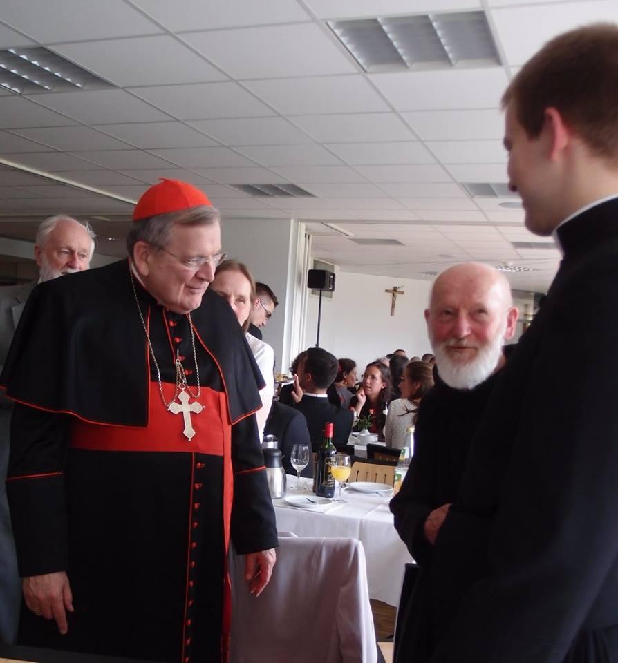 Kardinál Burke, otec Valík a otec Šrubař